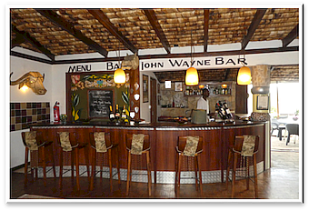 Hatari Lodge, Bar